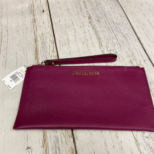 Primary Photo - BRAND: MICHAEL BY MICHAEL KORS STYLE: WRISTLET COLOR: BURGUNDY SKU: 221-22111-21199