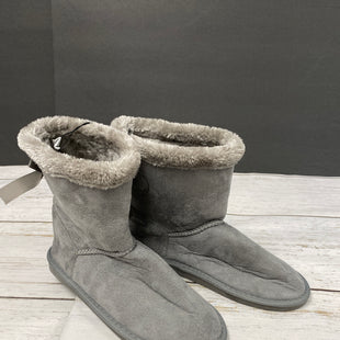Primary Photo - BRAND: BOBBIE BROOKS STYLE: BOOTS ANKLE COLOR: GREY SIZE: 8 OTHER INFO: NEW! SKU: 144-144137-206