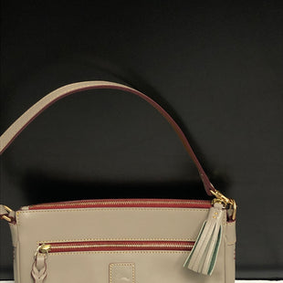Primary Photo - BRAND: DOONEY AND BOURKE STYLE: HANDBAG DESIGNER COLOR: TAUPE SIZE: SMALL OTHER INFO: FLORENTINE MED POCKET CLUTCH/SM SCRAPE SKU: 144-14411-74334