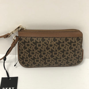 Primary Photo - BRAND: DKNY STYLE: WRISTLET COLOR: BROWN OTHER INFO: NEW! SKU: 144-14483-89100