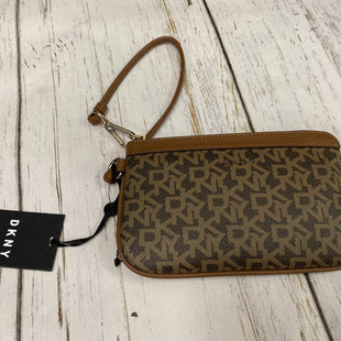 Primary Photo - BRAND: DKNY STYLE: WRISTLET COLOR: BROWN OTHER INFO: NEW! SKU: 221-22111-19662