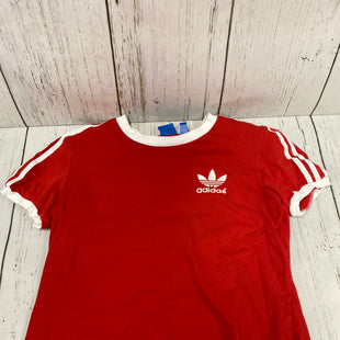 Primary Photo - BRAND: ADIDAS STYLE: ATHLETIC TOP SHORT SLEEVE COLOR: RED SIZE: M SKU: 144-144112-9318