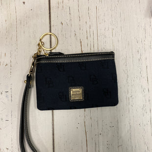 Primary Photo - BRAND: DOONEY AND BOURKE STYLE: WRISTLET COLOR: BLACK SKU: 144-14483-81279