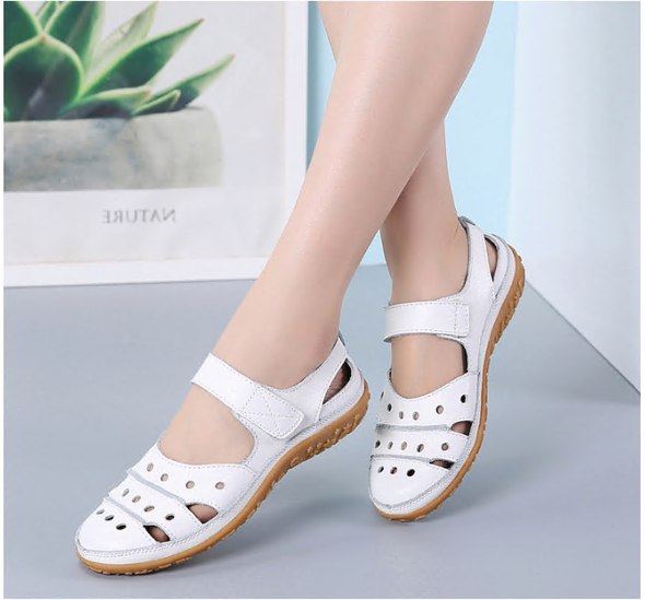 2020 Women's Leather Hollow Hook Casual Flat Sandals