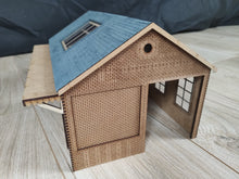 Load image into Gallery viewer, 7mm Scale (O Gauge) Goods Shed