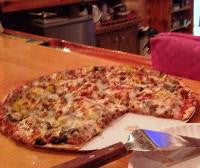 Finn's - Large Supreme Pizza
