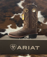 Load image into Gallery viewer, Ariat Men's Heritage RoughStock Brown Oiled Rowdy Boot