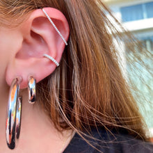 Load image into Gallery viewer, Bar Cartilage Ear Cuff - essentialsjewels.com