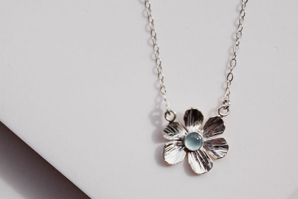 Flower Power aquamarine necklace