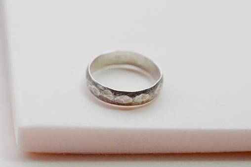 wide band silver textured hammered