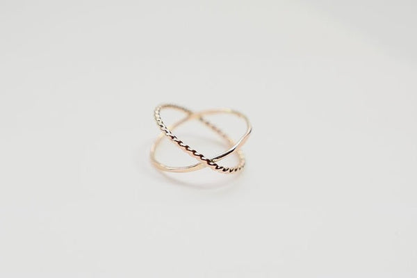 criss cross orbit gold ring