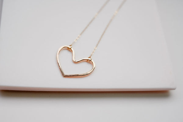 The gold heart necklace