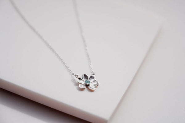 The flower power Aquamarine necklace