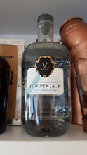 Laden Sie das Bild in den Galerie-Viewer, Juniper Jack Gin Navy strength 0.7 57.2%