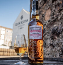 Load image into Gallery viewer, VORVERKAUF Glenscotia single malt scotch whisky 10 Jahre festival 2021 Edition 0,7l 56,1% vol. Schottland limitiert zum Whisky Festival 2021 Campbeltown Bordeaux cask finish 10 Jahre. Anlässlich dem Campbeltown Malts Festival presented by Glen Scotia Distillery.
