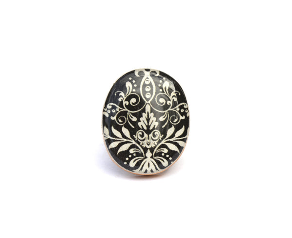 Damask statement ring . Wood ring . Damask Cocktail ring . Wood jewelry . Eco Friendly jewelry .