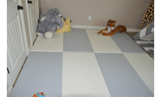 My Favorite Non Toxic Play Mat: CreamHaus Folding Play Mat