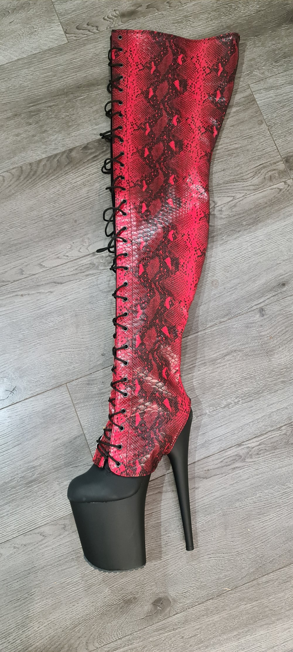 Z PLANET Thigh High Bootsleeves - Red Snake
