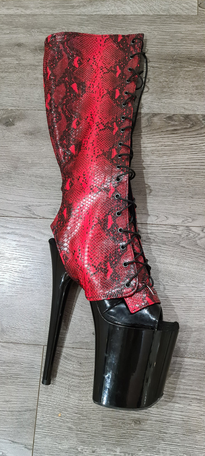 Z PLANET Knee High Bootsleeves - Red Snake