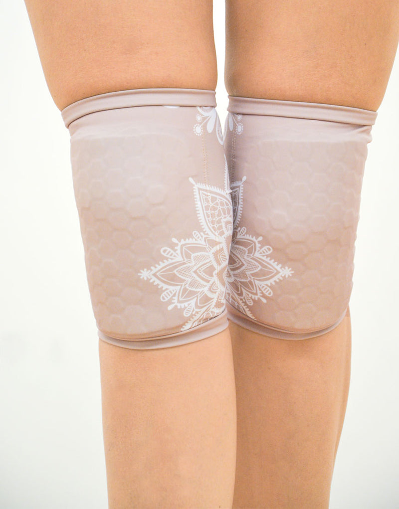 BOOMKATS Knee Pads - Nude Lace