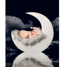 Load image into Gallery viewer, Newborn Digital Backdrop with Moon and Reflection