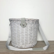 Load image into Gallery viewer, Picnic Basket - 2 person