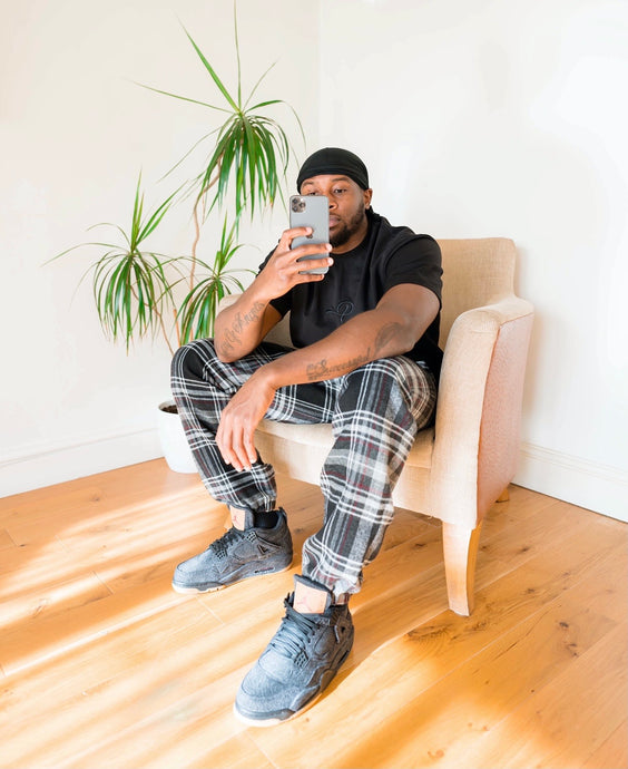 'MIDNIGHT CHECK' - [Pairs UK] [jogging bottoms] [ are those pairs] [mike pairs] [sweatpants] [patterned sweatpants] [patterned pants]