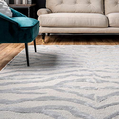 nuLOOM Zebra Hand Tufted Plush Accent Wool Rug, 2' x 3', Grey