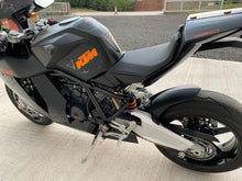 Load image into Gallery viewer, KTM RC8 2018