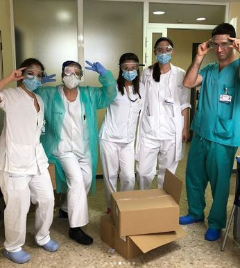 Doctors Spain Polaroid PPE