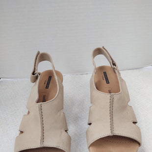 Primary Photo - BRAND: CLARKS STYLE: SANDALS LOW COLOR: BEIGE SIZE: 6.5 SKU: 133-13350-41243