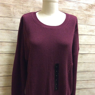 Primary Photo - BRAND: BANANA REPUBLIC STYLE: SWEATER LIGHTWEIGHT COLOR: MAROON SIZE: XL SKU: 133-13316-108406NEW WITH TAGS OVERSIZED BURGUNDY PULLOVER DROP SHOULDER CLASSIC MID WEIGHT KNIT SWEATER WITH CREW NECK BANDED BOTTOM AND BANDED CUFFS.