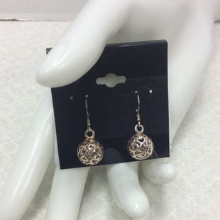 Primary Photo - BRAND: 925STYLE: EARRINGS COLOR: STERLING SILVER OTHER INFO: 925 FILIGREE HEART BALL DANGLE ON 925 FRENCH HOOKSKU: 133-13371-14545.
