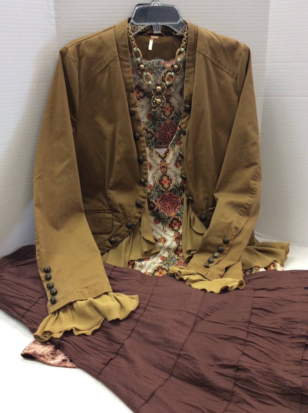 Photo #4 - BRAND: MULTIPLES <BR>STYLE: SKIRT <BR>COLOR: BROWN <BR>SIZE: L <BR>SKU: 133-13374-1621<BR>BEAUTIFUL FULL RUSTY BROWN SKIRT. LOOKS GREAT WITH BOOTS! SEE IT STYLED IN LAST PHOTOS ( ITEMS IN THE STYLES PHOTS ARE SOLD SEPARATELY AND ARE NOT INCLUDED IN THE SALE OF THE SKIRT)