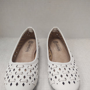 Primary Photo - BRAND:    CLOTHES MENTOR STYLE: SHOES FLATS COLOR: WHITE SIZE: 6 OTHER INFO: HARBORSIDE - SKU: 133-13355-33821