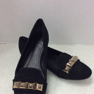 Primary Photo - BRAND: TORY BURCH STYLE: SHOES FLATS COLOR: BLACK SIZE: 9 OTHER INFO: ASHER SMOKING SLIPPER BLACK GOLD IN GOOD USED CONDITION, HEEL OF RIGHT SHOE DOES SHOW SLIGHT SIGNS OF WEAR, AS SHOWN IN PHOTOS. SKU: 133-13373-11718