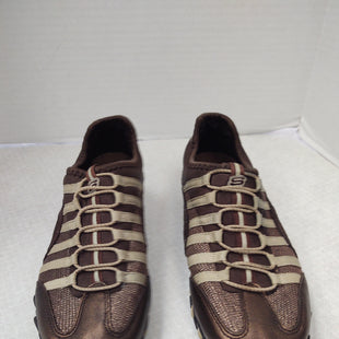 Primary Photo - BRAND: SKECHERS STYLE: SHOES ATHLETIC COLOR: BROWN SIZE: 6 SKU: 133-13374-3953