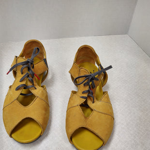 Primary Photo - BRAND: THINK STYLE: SANDALS FLAT COLOR: MUSTARD SIZE: 7 SKU: 133-13316-106109