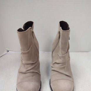Primary Photo - BRAND:    CLOTHES MENTOR STYLE: SHOES HIGH HEEL COLOR: BEIGE SIZE: 7 OTHER INFO: REBELS - SKU: 133-13355-34179