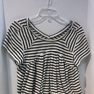 Primary Photo - BRAND: FREE PEOPLE STYLE: TOP SHORT SLEEVE COLOR: STRIPED SIZE: M SKU: 133-13374-2278