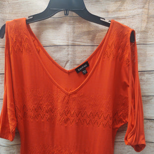 Primary Photo - BRAND: BEBE STYLE: TOP LONG SLEEVE COLOR: ORANGE SIZE: S SKU: 133-13374-372COLD SHOULDER