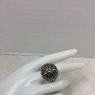 Primary Photo - BRAND:  CMB STYLE: RING COLOR: STERLING SILVER SIZE: 9 OTHER INFO: THAI STERLING SILVER DOME RING - SKU: 133-13373-12368