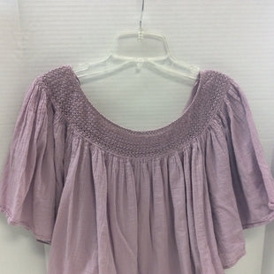 Primary Photo - BRAND: LUCKY BRAND STYLE: TOP SHORT SLEEVE COLOR: LAVENDER SIZE: M SKU: 133-13316-114127