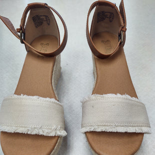 Primary Photo - BRAND: BRASH STYLE: SANDALS LOW COLOR: CREAM SIZE: 8.5 SKU: 133-13316-1052281 1/2 PLATFORM WITH WEDGEESPADRILLE