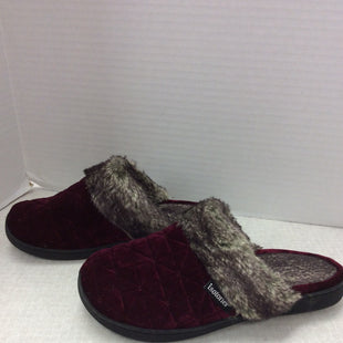 Primary Photo - BRAND:    CLOTHES MENTOR STYLE: SLIPPERS COLOR: RED SIZE: 6.5 OTHER INFO: ISOTONER - SKU: 133-13373-13829