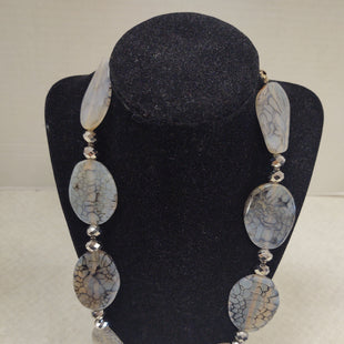 Primary Photo - BRAND:  CMB STYLE: NECKLACE COLOR: GREY OTHER INFO: DONNA DRESSLER - SKU: 133-13316-112136