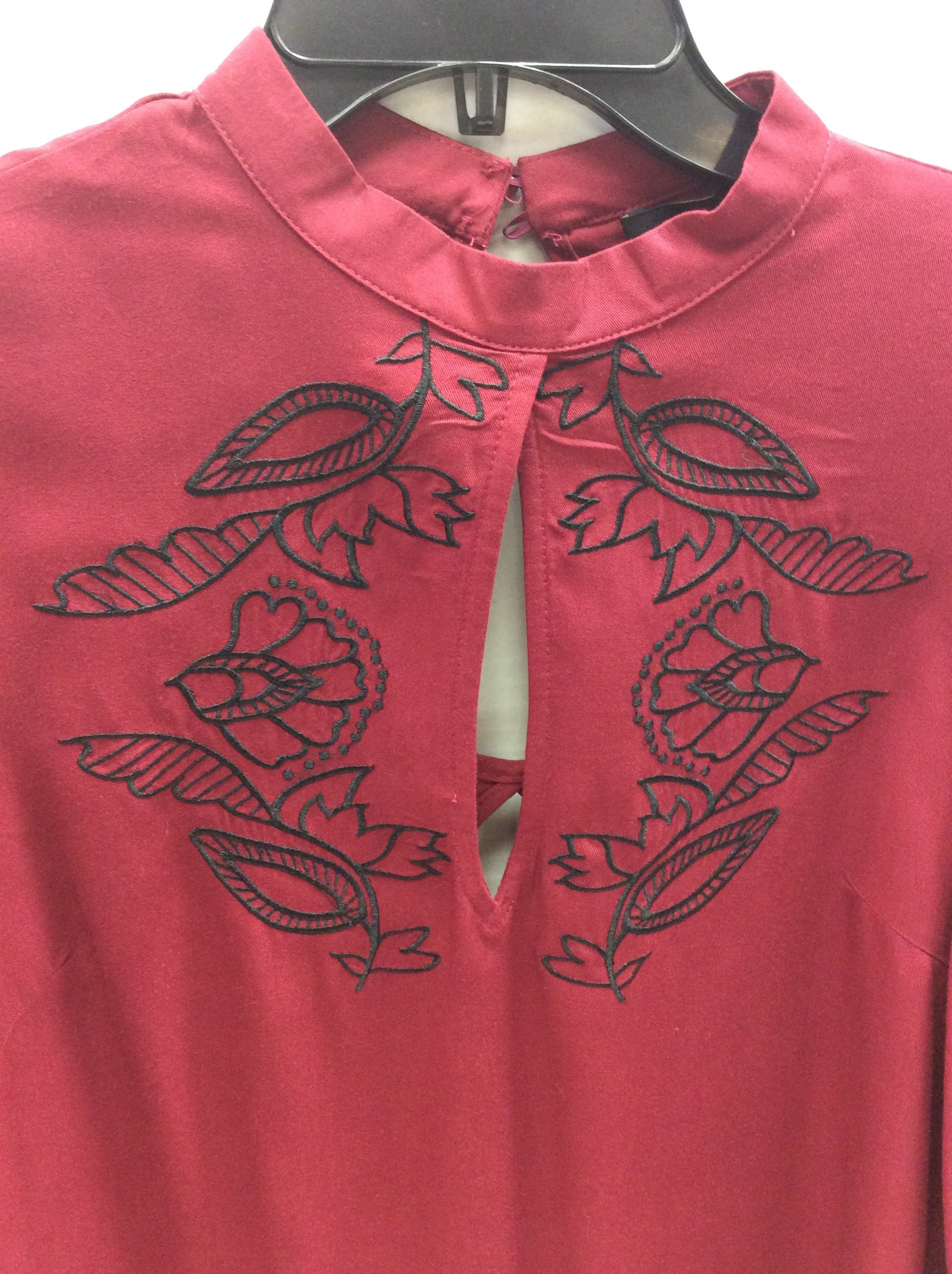 Photo #1 - BRAND: MINKPINK <BR>STYLE: TOP LONG SLEEVE <BR>COLOR: BRICK RED <BR>SIZE: XS <BR>SKU: 133-13316-110232SUCH PRETTY DETAILS ON THIS BELL SLEEVE BLOUSE WITH FLORAL MOTIF EMBROIDERY!
