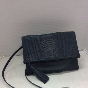 Primary Photo - BRAND:   CMC STYLE: HANDBAG LEATHER COLOR: NAVY SIZE: MEDIUM OTHER INFO: GIGI NEW YORK - SKU: 133-13344-37221