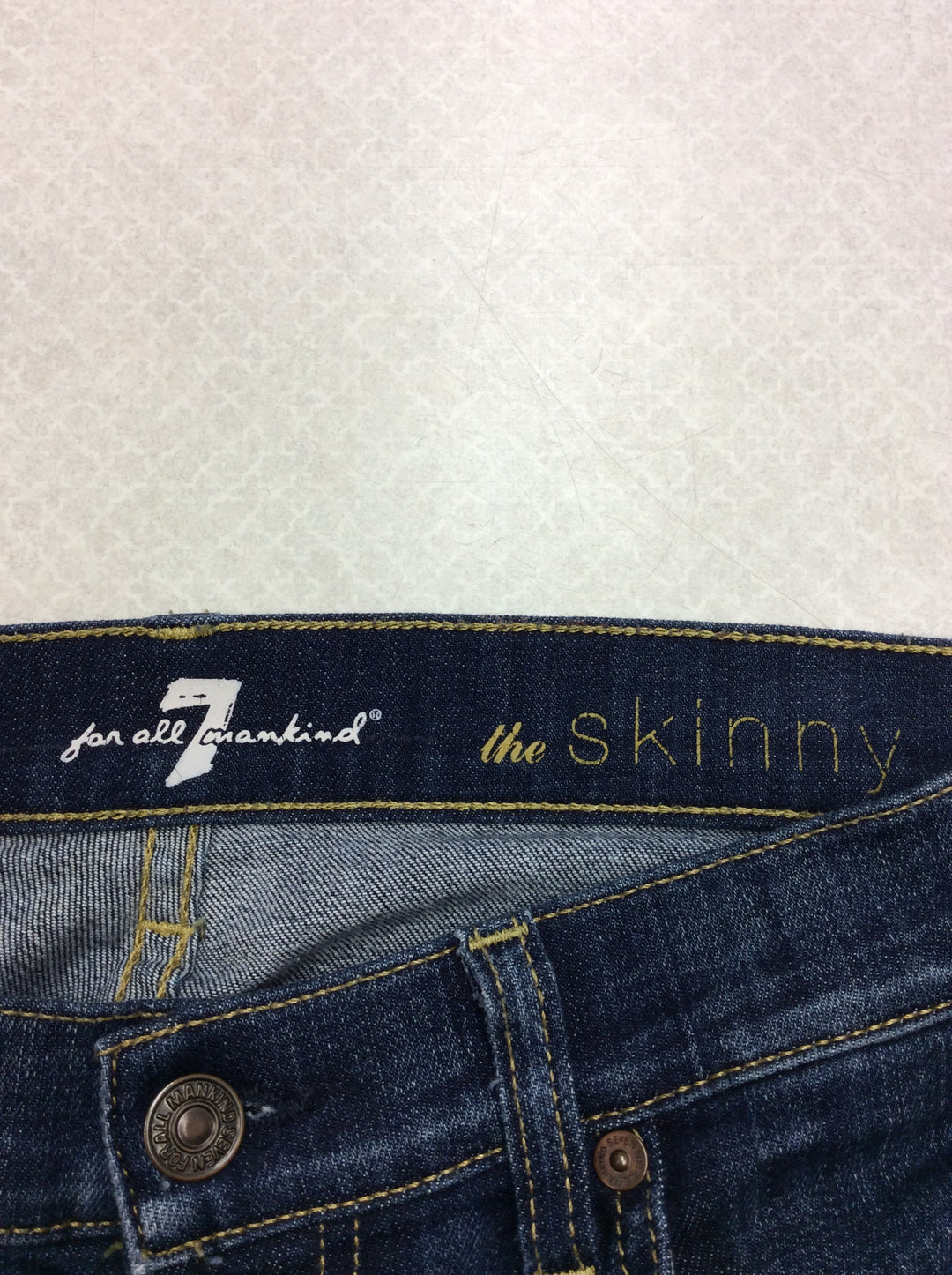 Photo #4 - BRAND: SEVEN FOR ALL MANKIND <BR>STYLE: JEANS DESIGNER <BR>COLOR: DENIM <BR>SIZE: 6 <BR>SKU: 133-13341-42734