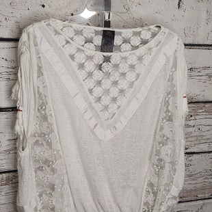 Primary Photo - BRAND: FREE PEOPLE STYLE: TOP SHORT SLEEVE COLOR: WHITE SIZE: S SKU: 133-13316-116191